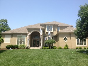 a home gets an exterior paint job in Kansas City Missouri
