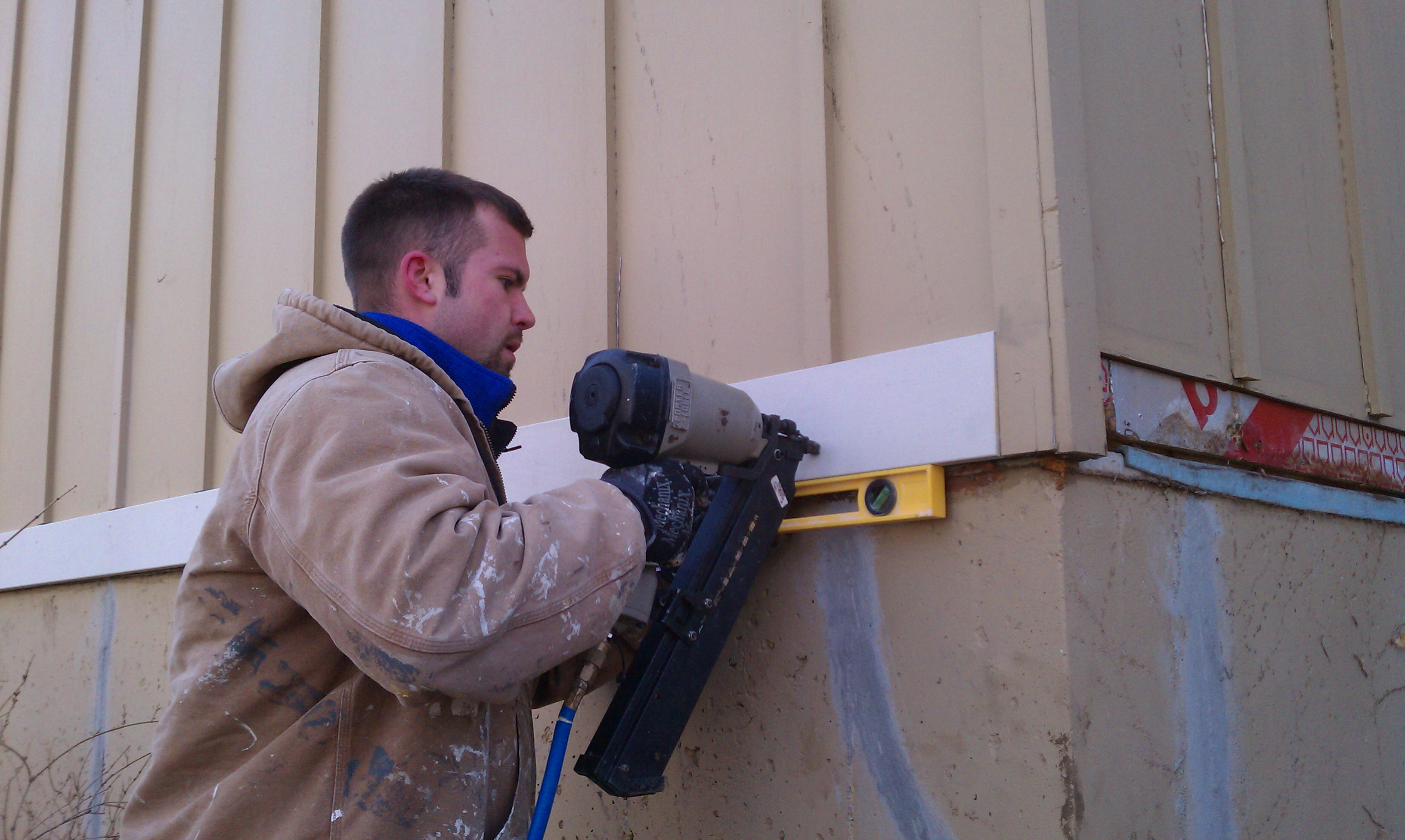 3 great reasons to use a local painting company kcnp for Cheap wood siding