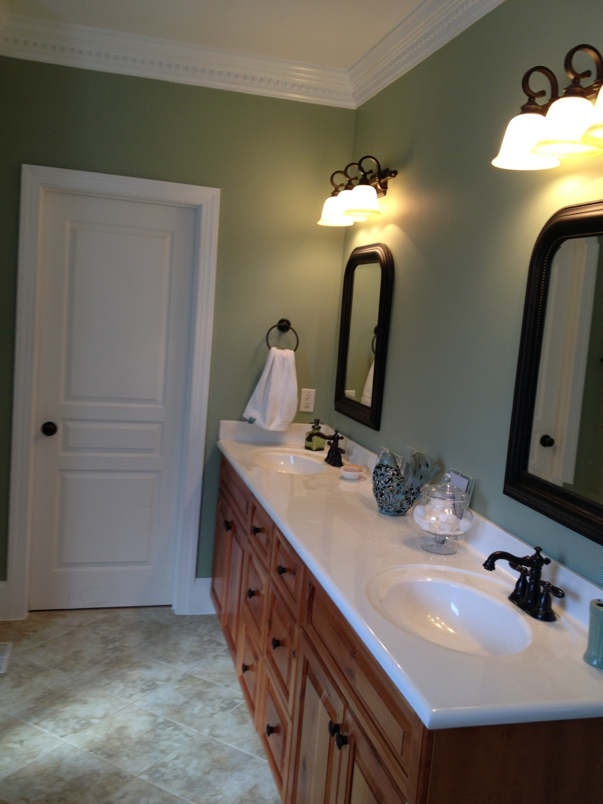 Relaxing paint colors for your bathroom kcnp - What color is sage green ...
