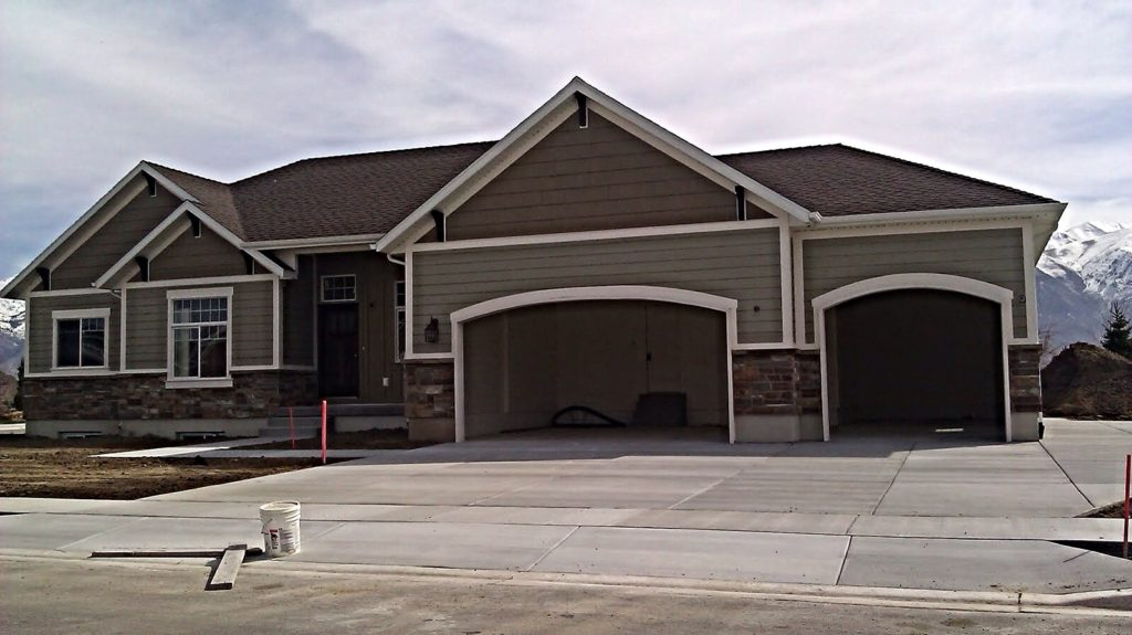 Residential garage exterior painting.